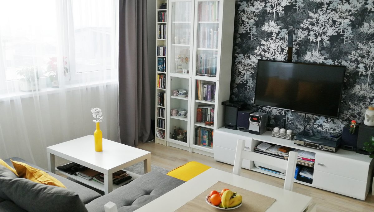 01 Miloslavov 2 izbovy byt s balkonom v novostavbe pohlad na zariadenu obyvaciu izbu