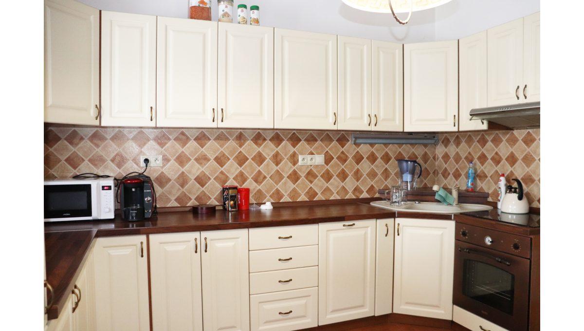 03 Nova Dedinka 4 izbovy rodinny dom na predaj v dobrej lokalite pohad na kuchynsku linku smerom od vstupu na terasu