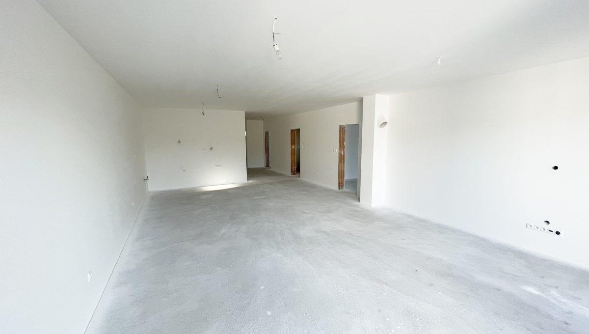 Boldog 4 izbovy rodinny dom pohlad na priestor obyvacej izby so vstupmi do dalsich miestnosti