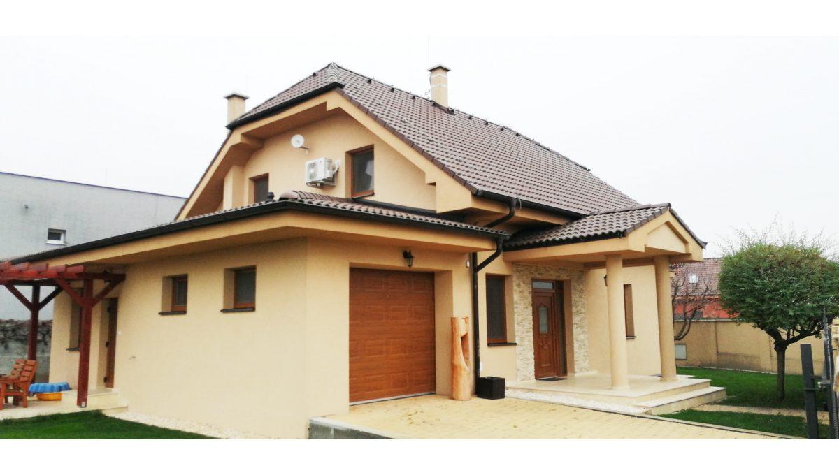 04 Nova Dedinka 4 izbovy rodinny dom na predaj v dobrej lokalite pohad na tri vstupy do rodinneho domu