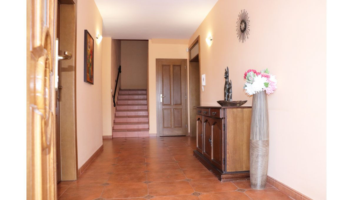 05 Nova Dedinka 4 izbovy rodinny dom na predaj v dobrej lokalite pohad do vstupnej chodby