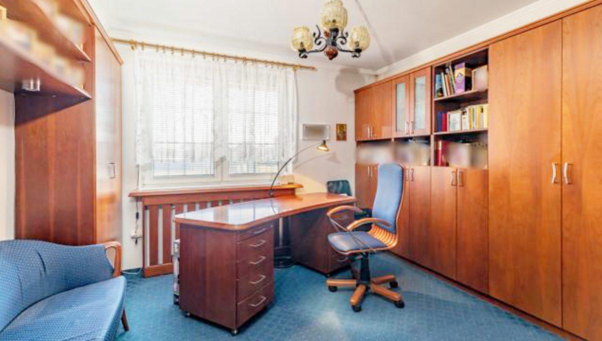 Senec 5 izbovy rodinny dom na predaj Konfido pohlad na zariadenu pracovnu