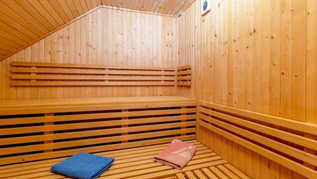 Senec 5 izbovy rodinny dom na predaj Konfido pohlad na peknu priestrannu saunu