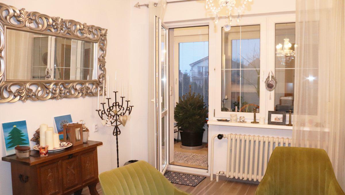 Konfido Nova Dedinka 7 izbovy rodinny dom dvojgeneracny pohlad na izbu so zimnou terasou prveho bytu domu