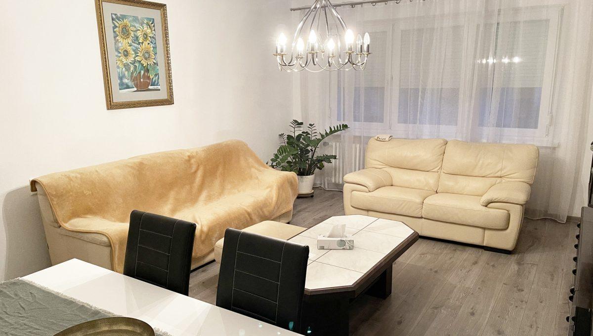 Konfido Nova Dedinka 7 izbovy rodinny dom dvojgeneracny pohlad na obyvaciu izbu prveho bytu domu