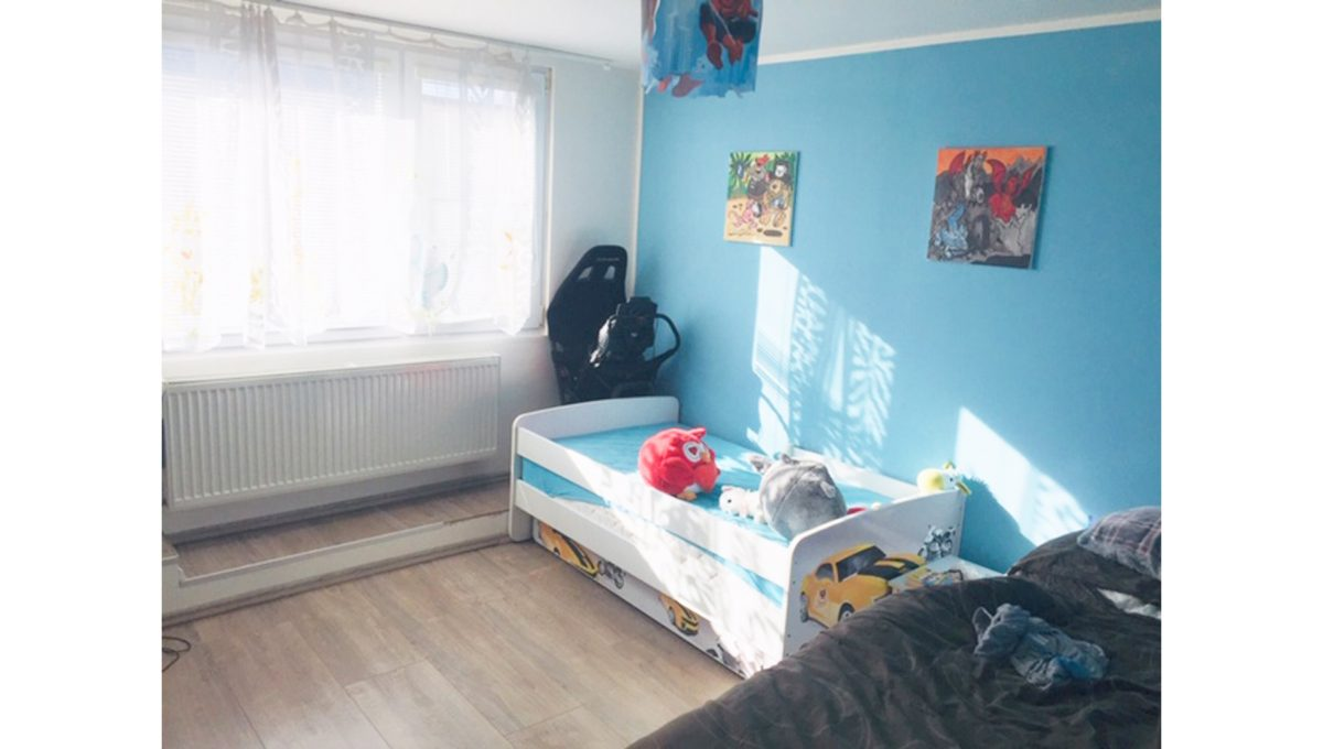 Konfido Tomasov ponuka dvoch samostatnych domov pohlad na presvetlenu detsku izbu