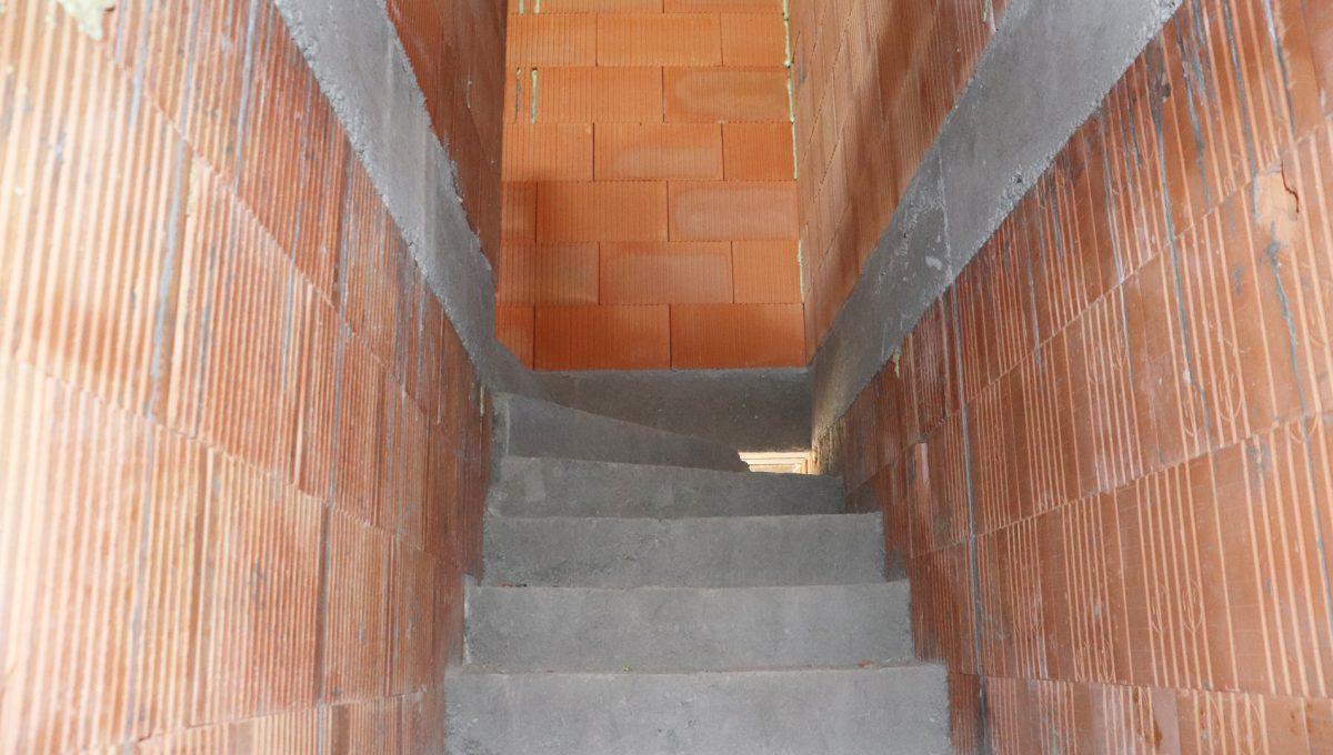 Bernolakovo 06 Konfido novostavba 3 izbovy byt na predaj pohlad na schodisko