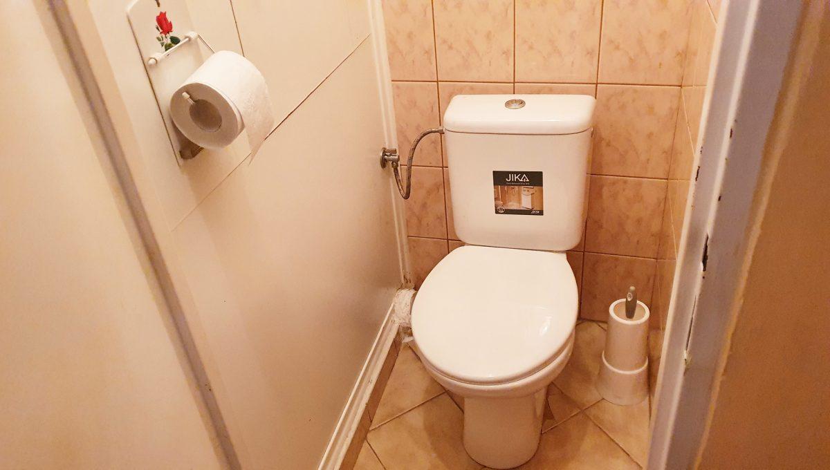 Bratislava 07 Ruzinov Jadrova 1 izbovy byt na prenajom pohlad na samostatnu toaletu
