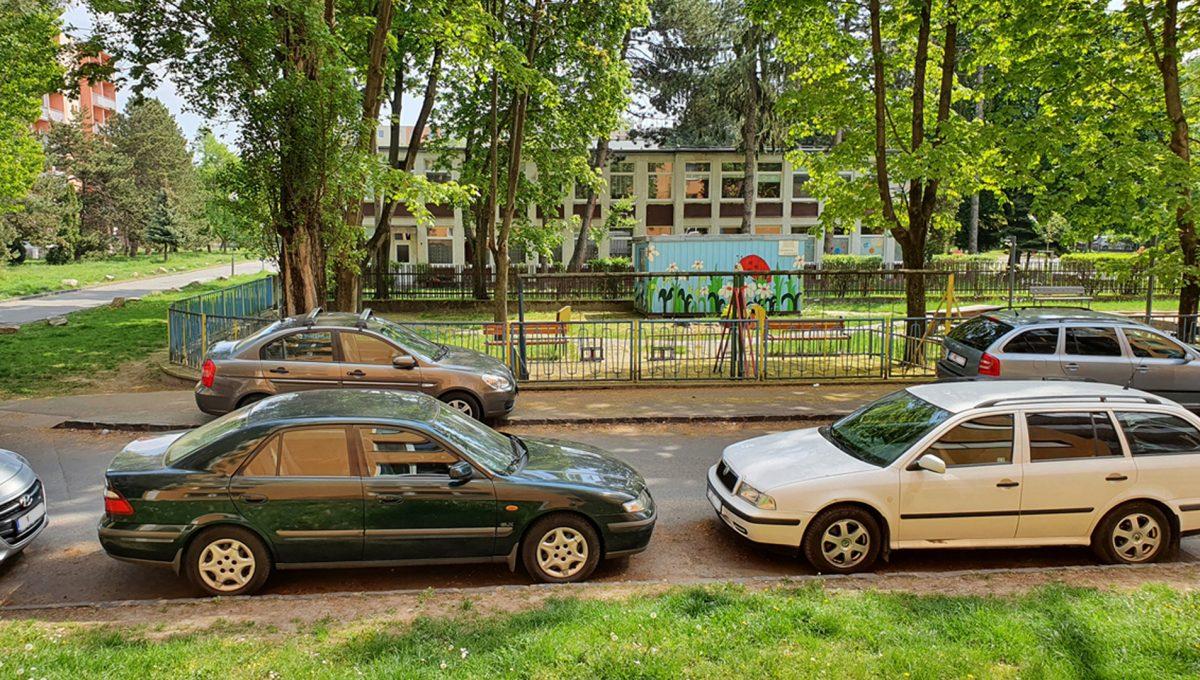 Bratislava 10 Ruzinov Jadrova 1 izbovy byt na prenajom pohlad okna bytu smerom na ulicu v kludnej lokalite