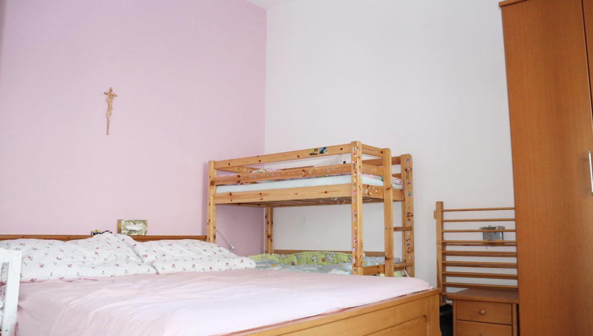 Bratislava Heydukova 17 byt v centre 4 izbovy pohlad na cast spalne