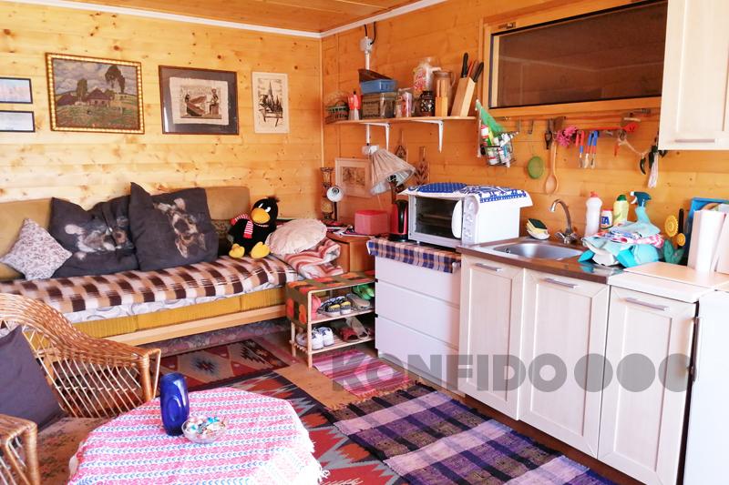Bratislava Konfido 06 Zlate piesky zahrada pekny domcek zariadeny interier slnecny pozemok copy