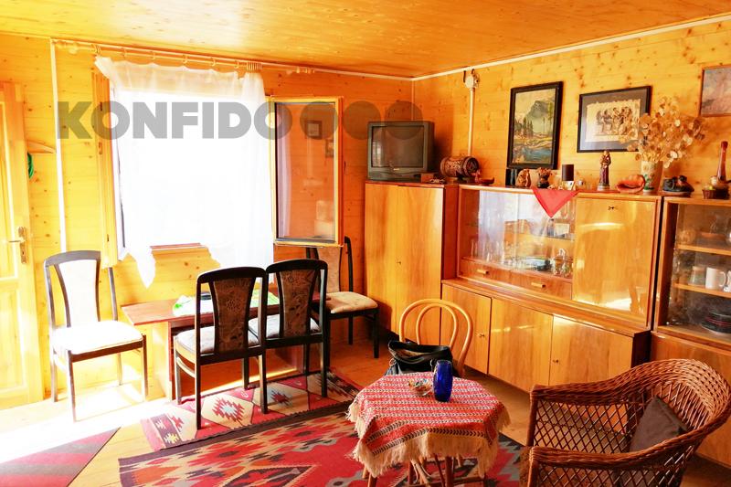 Bratislava Konfido 07 Zlate piesky zahrada pekny domcek zariadeny interier pohlad do izby slnecny pozemok copy