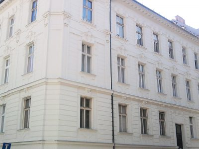 Bratislava-Leskova-ulica-4-izbovy-byt-v-historickom-dome-Stare-Mesto