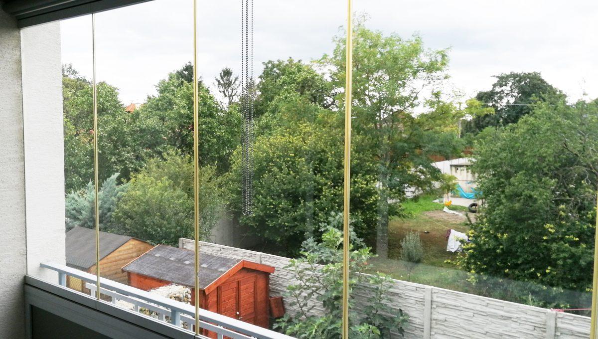 Dunajska Luzna 06 3 izbovy byt s lodziou v novostavbe jeden pohlad z lodzie smerom do zahrad