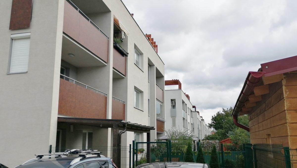 Dunajska Luzna 14 3 izbovy byt s lodziou v novostavbe pohlad na budovu bytoveho domu