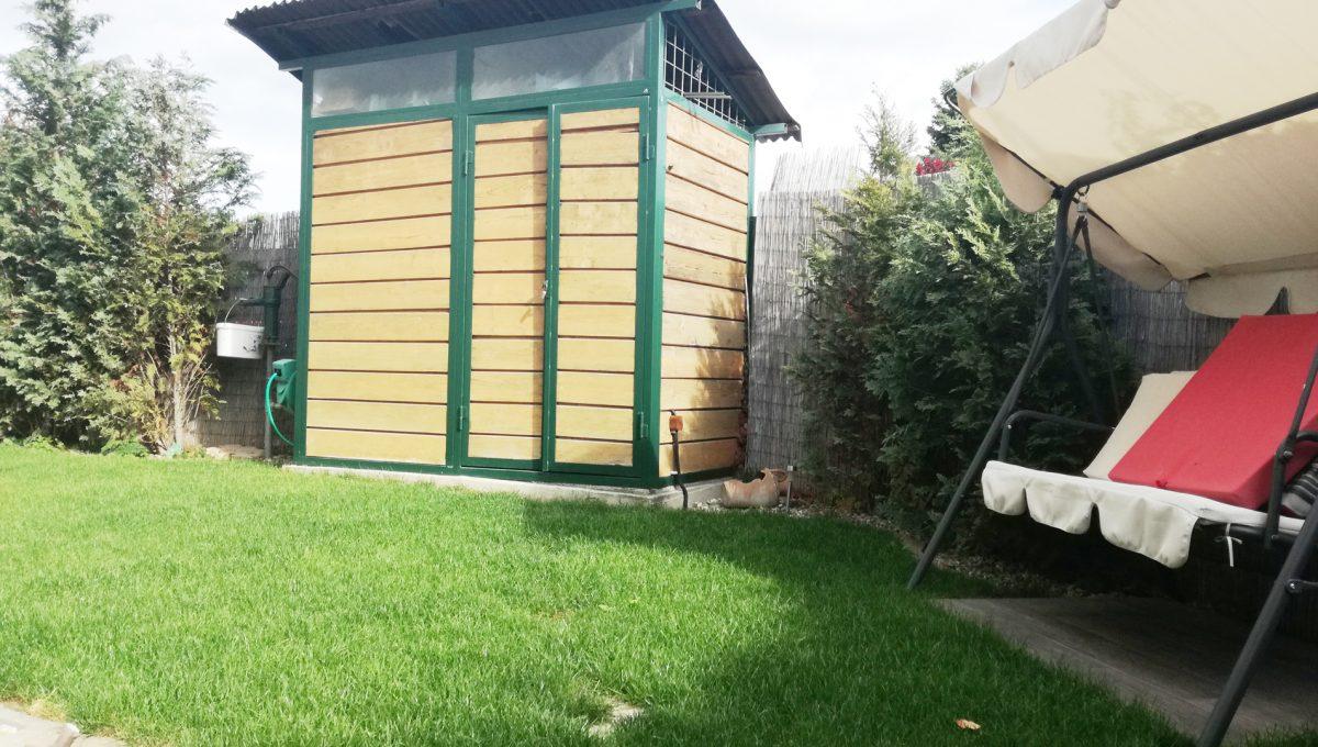 Dunajska-Luzna-24-pekny-4-izbovy-rodinny-dom-na-predaj-pohlad-na-domcek-s-naradim-na-pozemku-za-domom