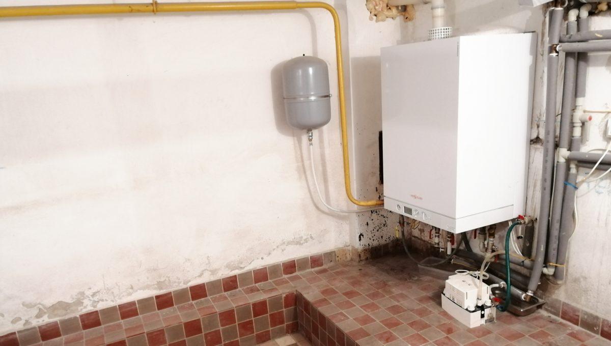 Gabcikovo 14 rodinny dom na predaj 3 izbovy pohlad na kotol v pivnici domu