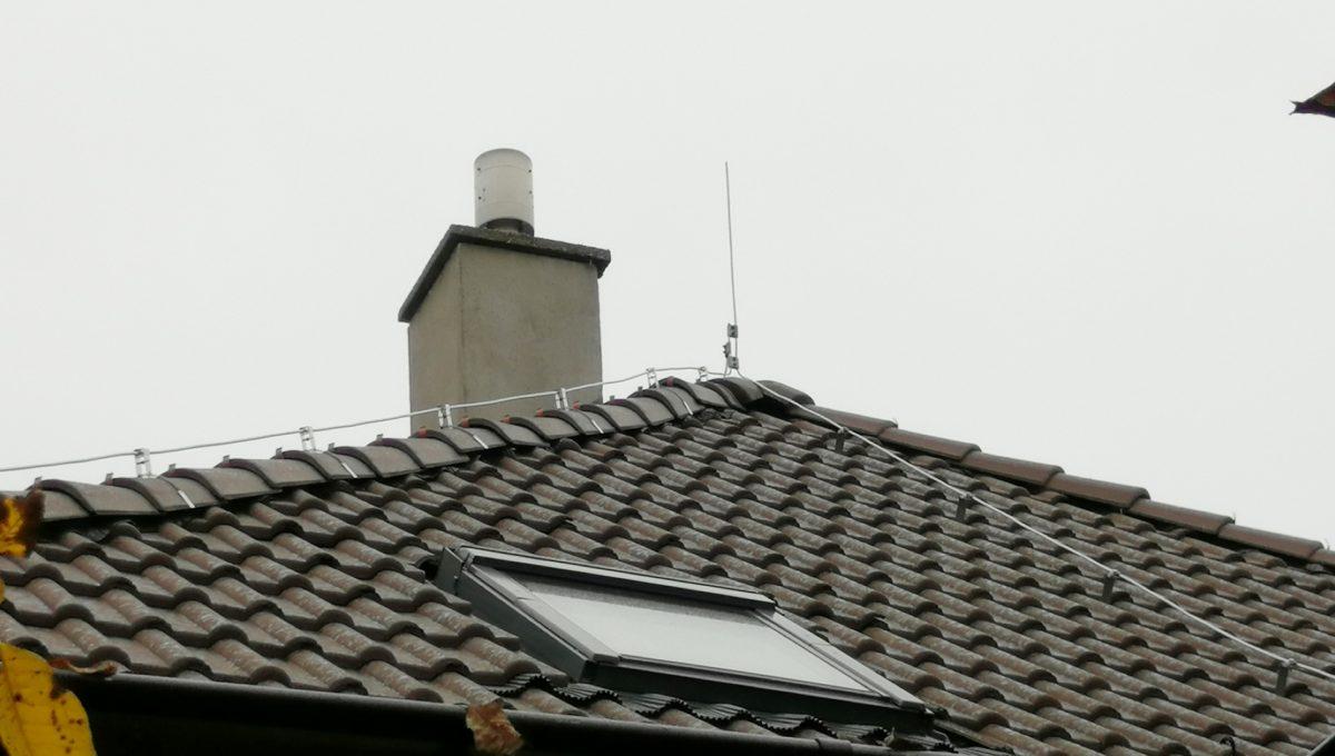 Gabcikovo 18 rodinny dom na predaj 3 izbovy pohlad na novu strechu domu