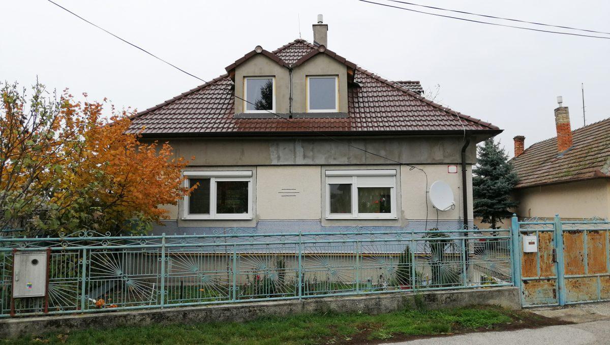 Gabcikovo 19 rodinny dom na predaj 3 izbovy pohlad na dom z ulice