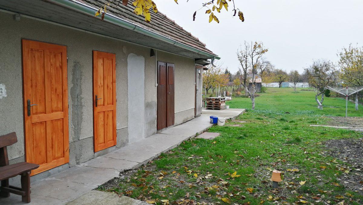 Gabcikovo 21 rodinny dom na predaj 3 izbovy pohlad na vstupy do casti hospodarskej budovy