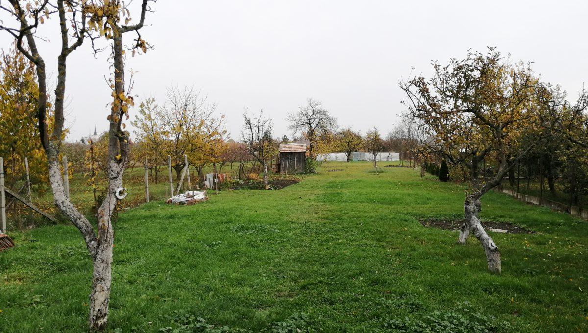 Gabcikovo 24 rodinny dom na predaj 3 izbovy pohlad od domu na pozemok
