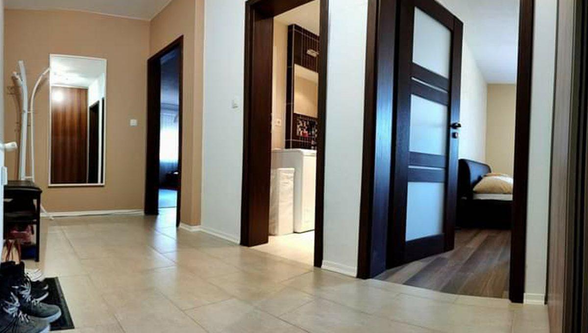 Miloslavov Kbyt02 2 izbovy byt chodba so vstupmi do miestnosti