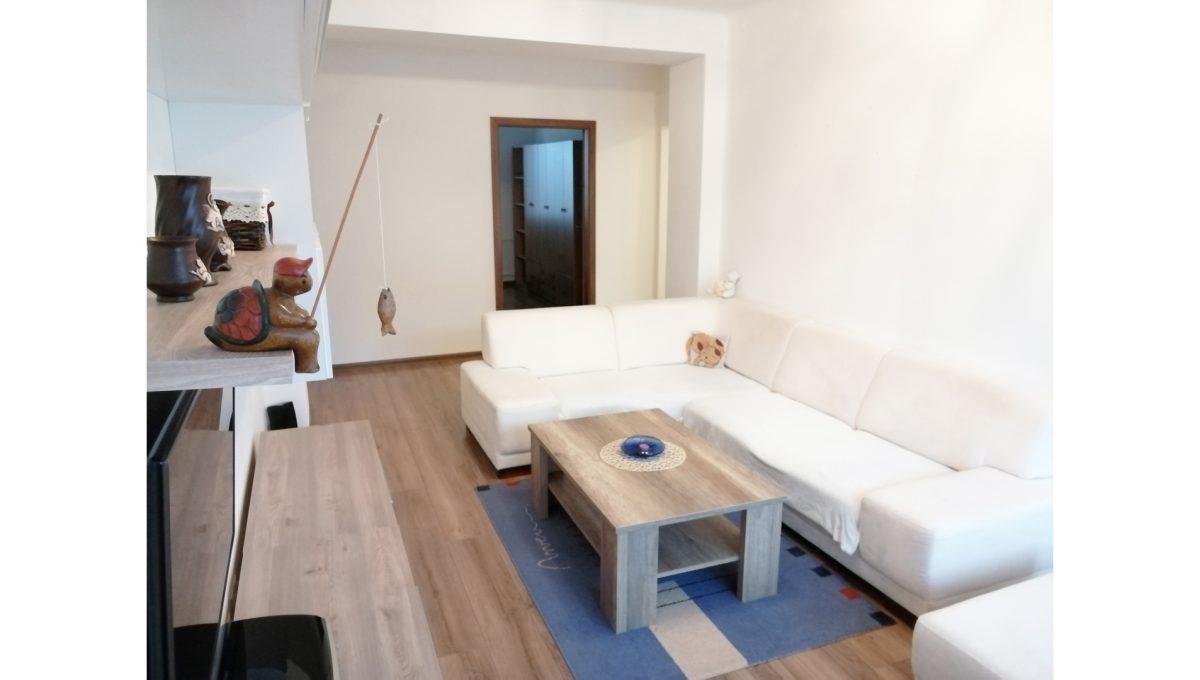 Ruzinov 02 Raketova Bratislava 3 izbovy byt na prenajom pohlad na kompletne zariadenu obyvaciu izbu a vstup do spalne
