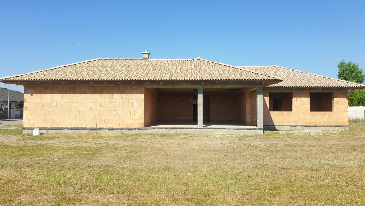 Senec 01 Mlynsky Klin 4 izbovy rodinny dom hruba stavba pohlad na buducu obyvaciu izbu
