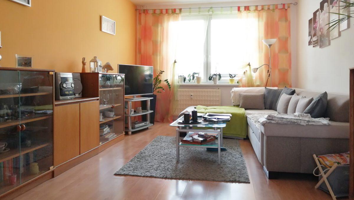 Senec 03 Inovecka 2 izbovy byt na predaj pohlad na obyvaciu izbu
