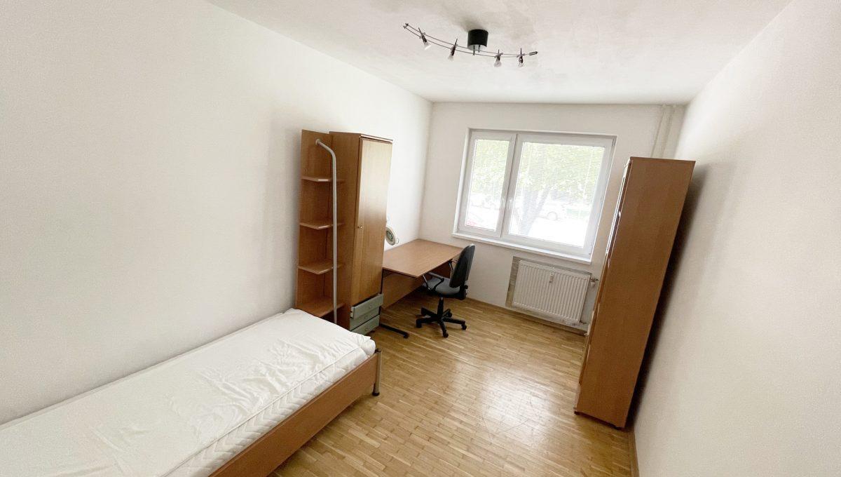 Senec Namestie 1 maja 3 izbovy byt na predaj pohlad na spalnu