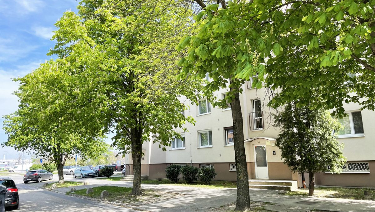 Senec Namestie 1 maja 3 izbovy byt na predaj pohlad na bytovy dom