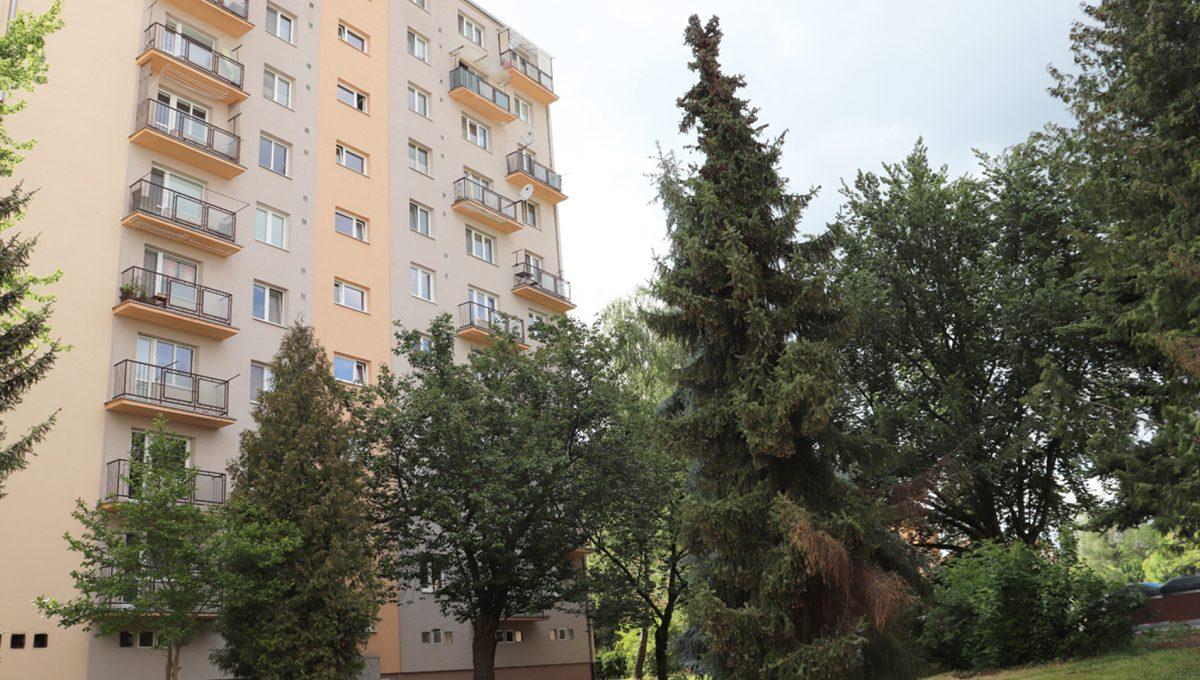 Zvolen 01 na predaj 3 izbovy byt pohlad na bytovy dom ulica Janka Krala