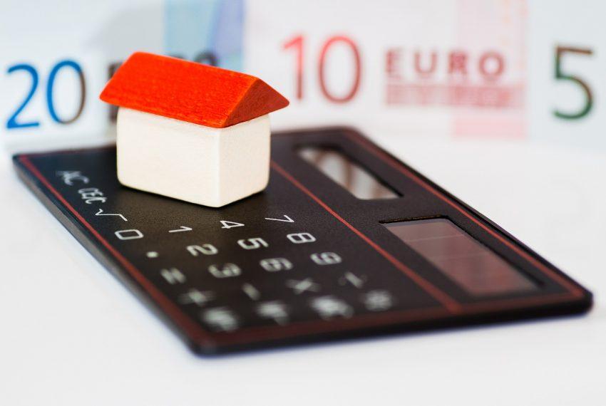 Poplatky, dom, kalkulačka, 20 eur, 10 eur